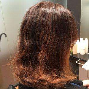 ちょっとしたアクセントでヘアカラー&ヘアスタイルを楽しく!ポイントブリーチ&美髪カラー (1)